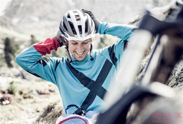 骑行头盔的戴法及佩戴自行车头盔的作用