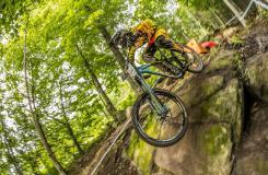 11张高清速降山地车壁纸 1920x1080像素自行车壁纸