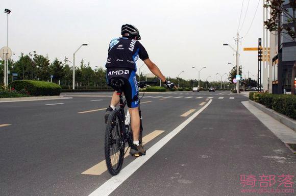 自行车编队骑行手势图解(真人版)