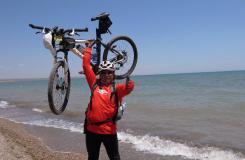 一位骑友环青海湖骑行图片分享