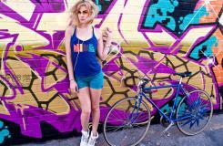 蓝色单车魔女:公路自行车美女图片大全