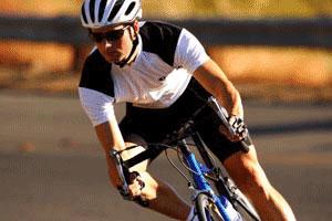 骑行技术:快速过弯