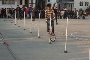 骑行技术:躲避障碍物