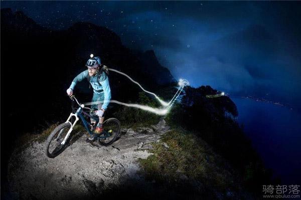 夜骑注意事项 妹子告诉你夜骑山地车要注意什么