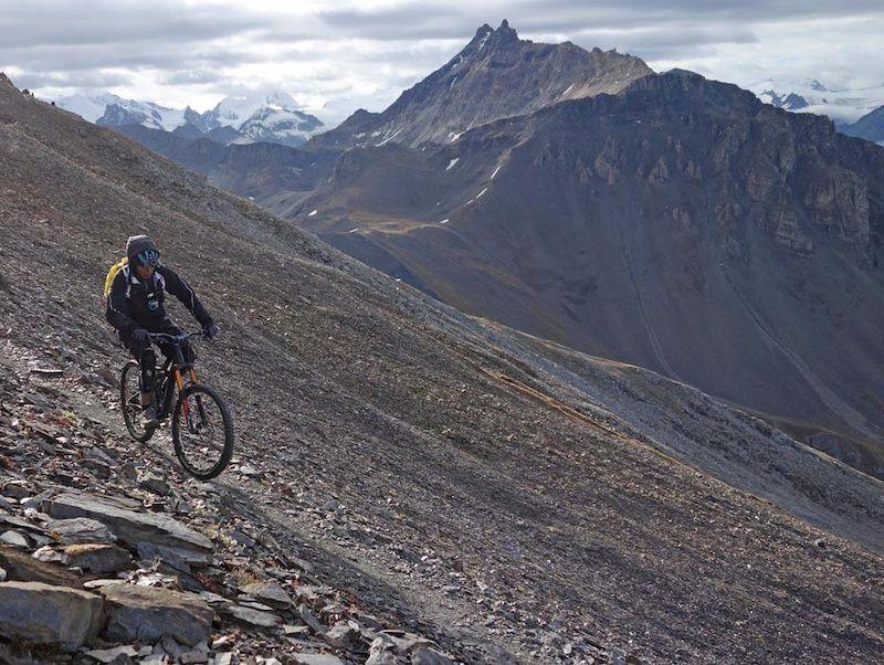 自行车极限运动:高山自行车越野美景实拍图 图2