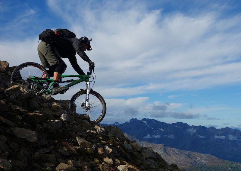 自行车极限运动:高山自行车越野美景实拍图 图4
